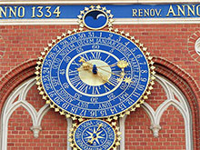 Blackheads House Facade Clock